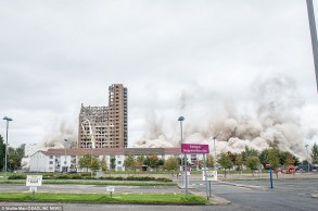 Tarfside Oval flats demolished in seconds